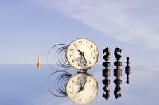 Free Clock And Chessmans On Mirror Royalty Free Stock Images - 20478279