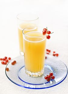Free Juice And A Red Currant Stock Images - 20479304