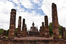 Free Buddha Statue Among Pillars Stock Photography - 20480182