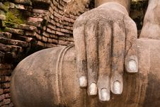 Free Hand Of Buddha Statue On Right Royalty Free Stock Images - 20480699