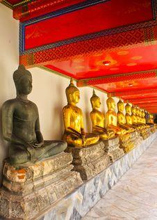 Free Buddha Statues Royalty Free Stock Photo - 20483685