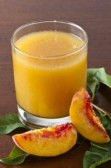 Free Juice Peaches Royalty Free Stock Images - 20484129