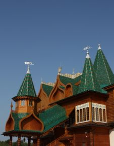 Free Towers Of The Palace Of Tsar Alexei Mikhailovich Stock Photo - 20485010