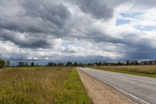 Free The Road Into The Field Royalty Free Stock Image - 20485916