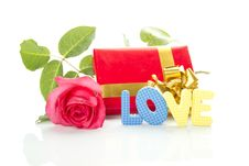 Free Red Rose, Gift Box And The Text LOVE Royalty Free Stock Photo - 20486145