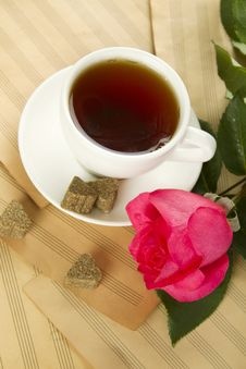 Free A Cup Of Tea And Rose Royalty Free Stock Photo - 20486315