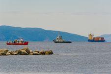 Free Three Ships Near Port Stock Photography - 20487002