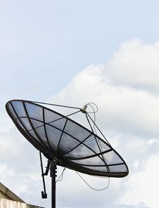 Free Satellite Dish Royalty Free Stock Photos - 20487738