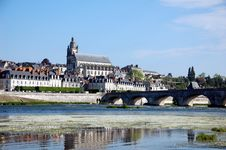 Free Quay Of Blois With Its Stone Bridge Stock Photography - 20497512