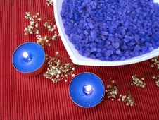 Free Spa Essentials (blue Salt, Candle And Flower) Royalty Free Stock Photography - 2052407