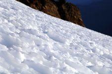 Free Snow Ridges High Up On Mt Rainier Royalty Free Stock Image - 2057086