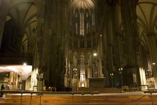 Free The Famous Cathedral Of Cologne Royalty Free Stock Photography - 2057467