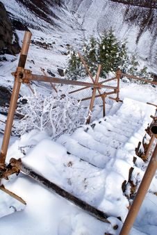 Free Ladder On The Snow Royalty Free Stock Photos - 2059948