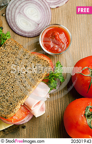 Free Fresh Sandwich With Ham, Onion And Tomato Stock Photos - 20501943