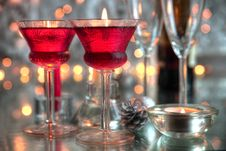 Free Red Wine In Glasses And Lights Royalty Free Stock Photography - 20500317