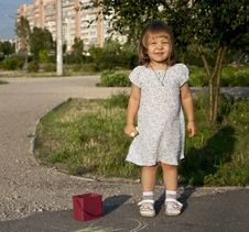 Free Little Girl Outdoors Royalty Free Stock Image - 20500836