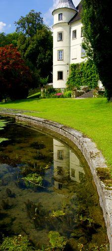 Free Austrian Palace Royalty Free Stock Photography - 20501637