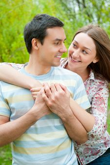 Free Beautiful Young Couple Royalty Free Stock Photography - 20504657