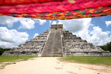 Free El Castillo -Chichen Itza & Sombrero Stock Photo - 20514400