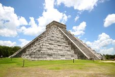 Free El Castillo - Chichen Itza Stock Photo - 20514490