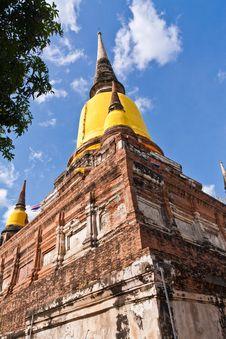 Free Ruin Pagoda In Ayutthaya From Bottom Royalty Free Stock Photo - 20518075