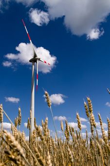 Free Wind Turbine Royalty Free Stock Image - 20519716