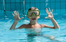 Cute Boy Wearing In Yellow Goggles Royalty Free Stock Photos
