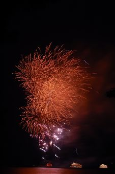 Free Firework Burst Royalty Free Stock Photos - 20521278