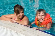 Free Kids In A Swimming Pool Stock Image - 20521911