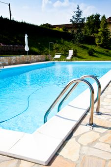 Free Hotel Swimming Pool Royalty Free Stock Photos - 20524898