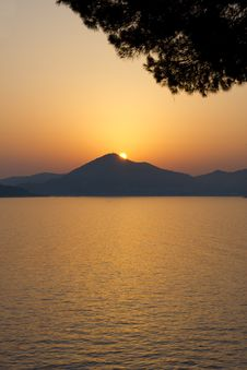 Free Very Beautiful Sunset Above A Sea. Stock Image - 20526461