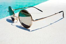 Free Black Round Sun Glasses Royalty Free Stock Photos - 20526498