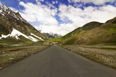 National Highway 1 Between Leh And Kargil Royalty Free Stock Photography