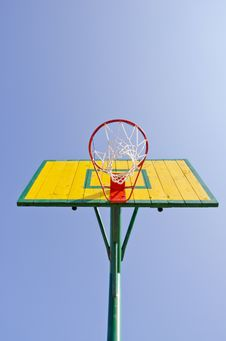 Free Yellow Backboard On Sky Background Royalty Free Stock Images - 20528039