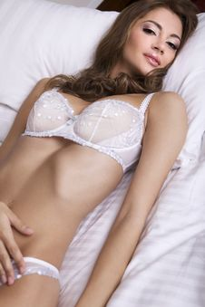 Free Beautiful Brunette In Bed Royalty Free Stock Photo - 20528555