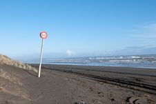Free Speed Sign On The Ocean Beach Stock Photos - 20530403
