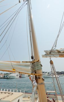 Free Views Of The Private Sail Yacht. Royalty Free Stock Photos - 20533558