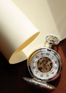 Free Pocket Watch On The Scroll Royalty Free Stock Photos - 20535078