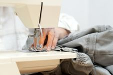 Free Hand And Sewing Machine Stock Photos - 20537923