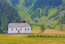 Free Beautiful Church In Alpine Landscape Royalty Free Stock Photos - 20538528