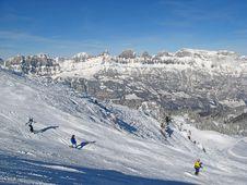 Free Skiing Slope Royalty Free Stock Photos - 20539678