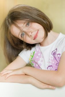 Free Portrait Of A Smiling Girl Stock Images - 20539964
