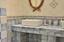 Free Blue Washroom Interior Royalty Free Stock Images - 20542769