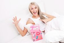 Free Woman Getting Presents Royalty Free Stock Photos - 20543578