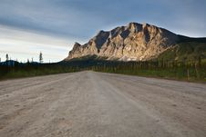 Free Dalton Highway With Mountain Royalty Free Stock Image - 20543866