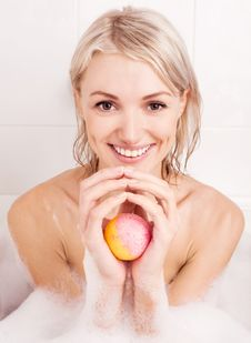 Free Woman Taking A Bath Royalty Free Stock Images - 20543879