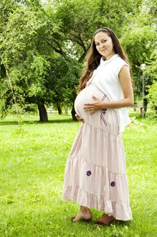 Free Pregnant Young Woman Smile Royalty Free Stock Photography - 20544877