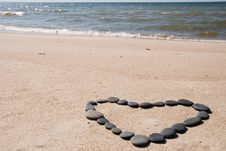 Free Heart From Stones On Beach Royalty Free Stock Photos - 20544948
