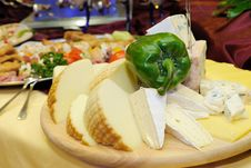 Free Cheese Chopping Board Royalty Free Stock Photography - 20545307