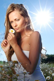 Free Girl In Dress On The Daisy Flowers Field Stock Photography - 20547092